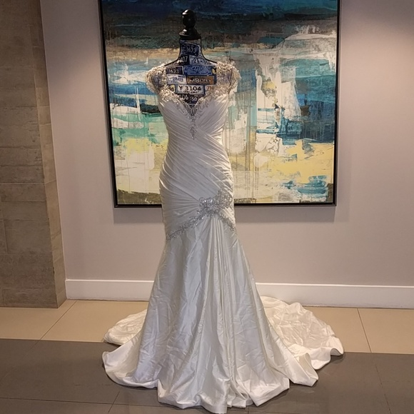 Jasmine Collection Dresses & Skirts - Silky wedding gown w/silver detailed work, size 6